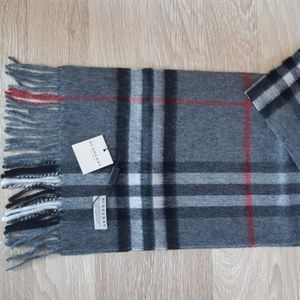 BURBERRY WOMEN'S SCARF GRAY RED NWT CASUAL